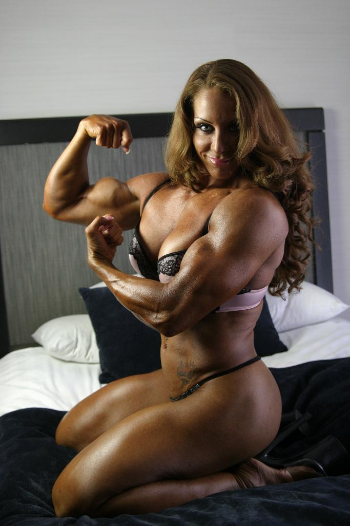 Fuck female muscle domination videos brown nude