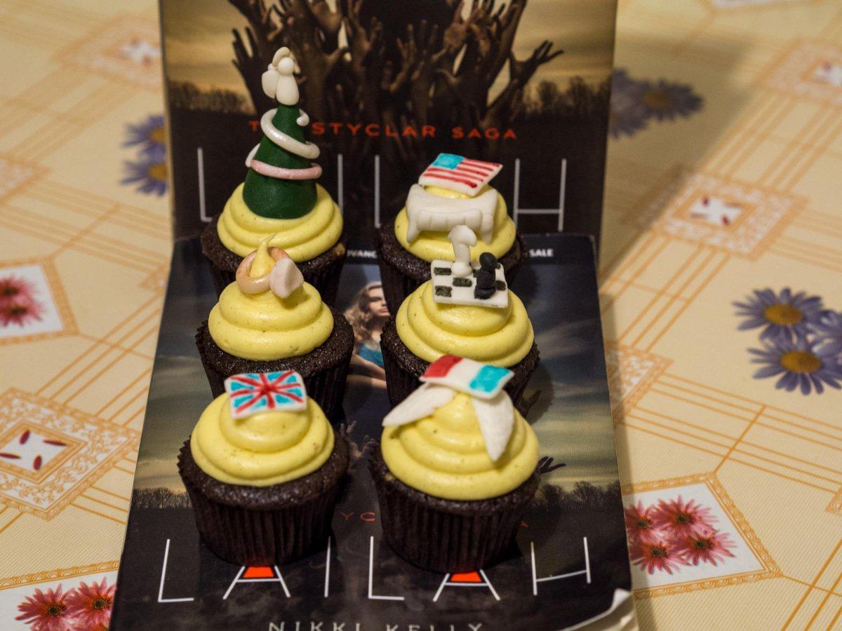 Pilar Pili Albarran On Twitter The FFBC KseniaWinnicki Happy Birthday Ksenia Sending Some Virtual Cupcakes Your Way Tco WMVJXjlLmx