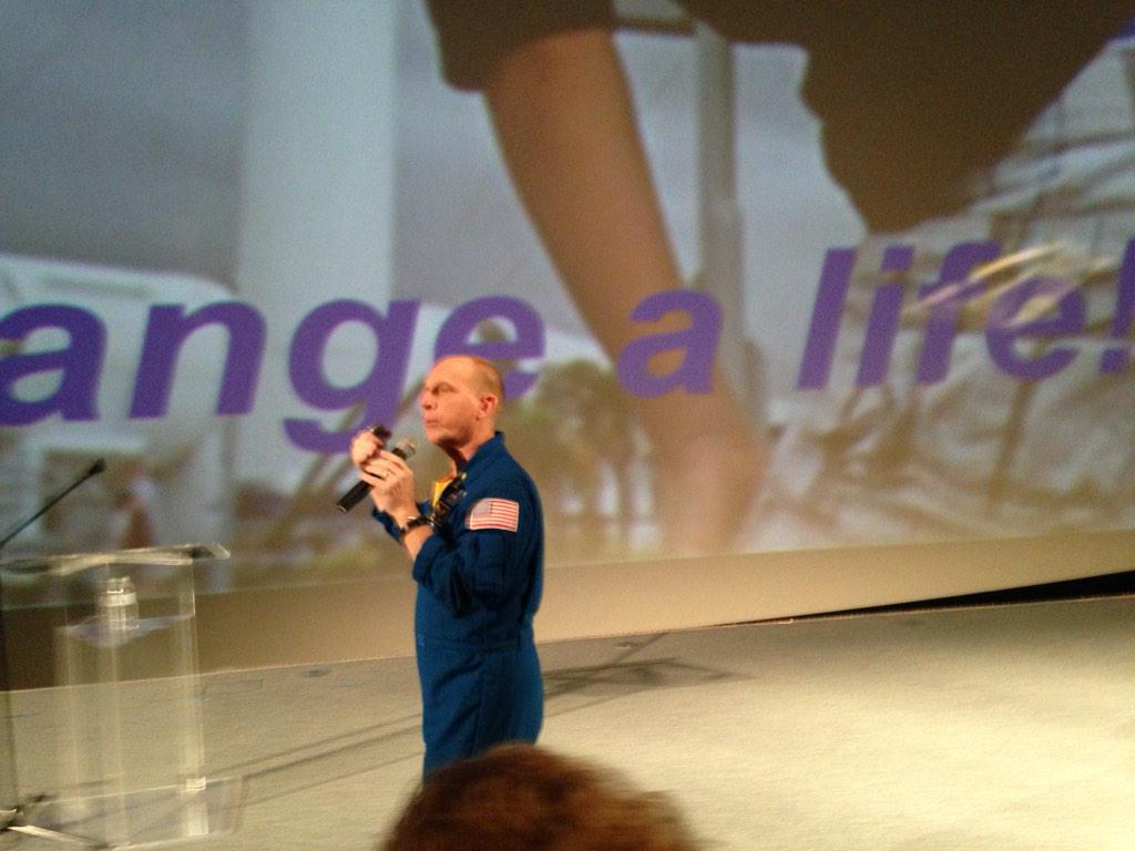 """""""Consider that you have the power to change a life!"""" @astro_clay http://t.co/9yKUFf3w75"""