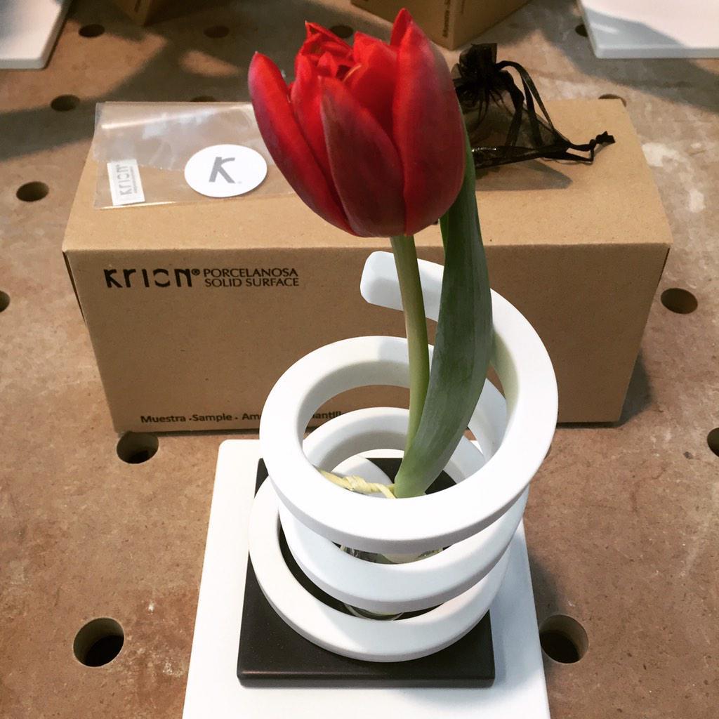 Visita a la fábrica de #Krion con un #DoItYourself!! @Porcelanosa_es 😄 #DIY #PorcelanosaExperience #decoraddiction http://t.co/vOmnDnBASC