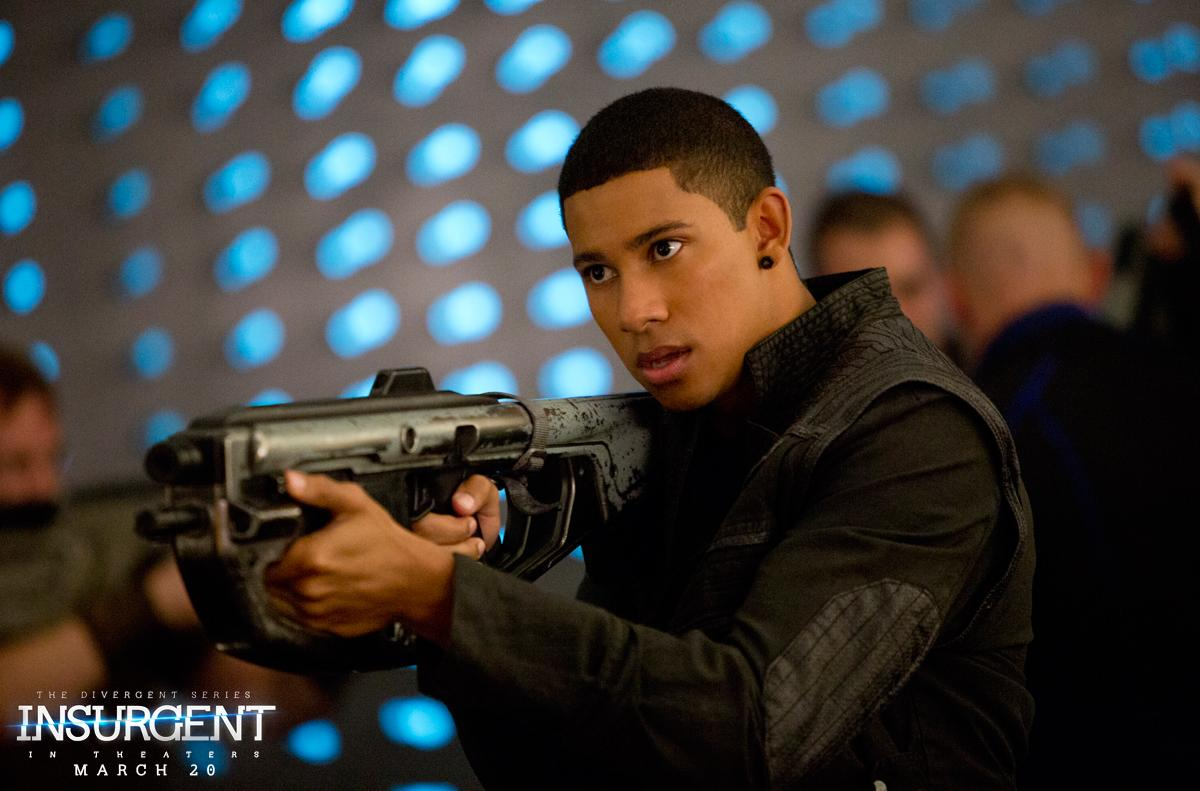 THE EXCLUSIVE NEW #INSURGENT STILL IS HERE! How cute is @KeiynanLonsdale as #Uriah? @Divergent http://t.co/2mydGfV7du