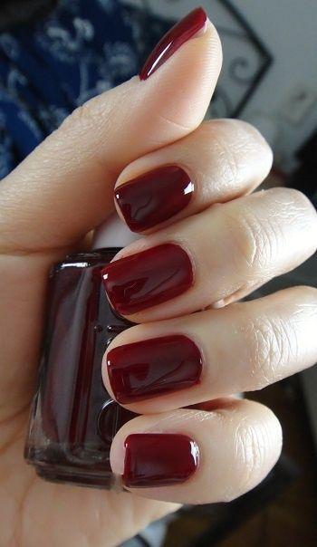 d9a08a0c0e5925 Dale a tus uñas un toque atrevido con esmalte color rojo pasión ...