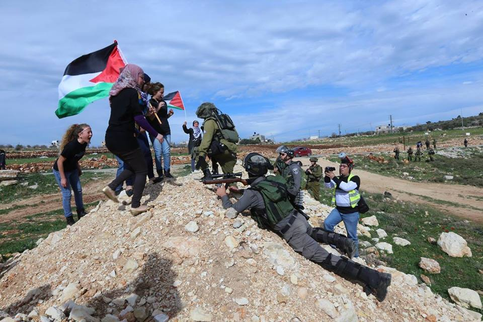Powerful #Photo from #NabiSaleh today, during the weekly protest.  #palestine http://t.co/0XQcdWt0m6