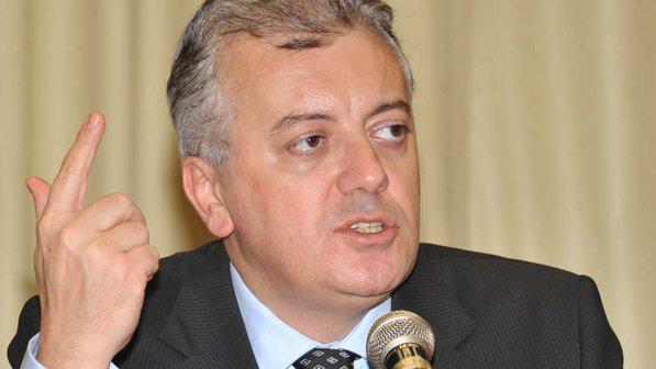 Aldemir Bendine que trabalhou no comando do Banco do Brasil há cinco anos está cotado para ser o novo presidente.