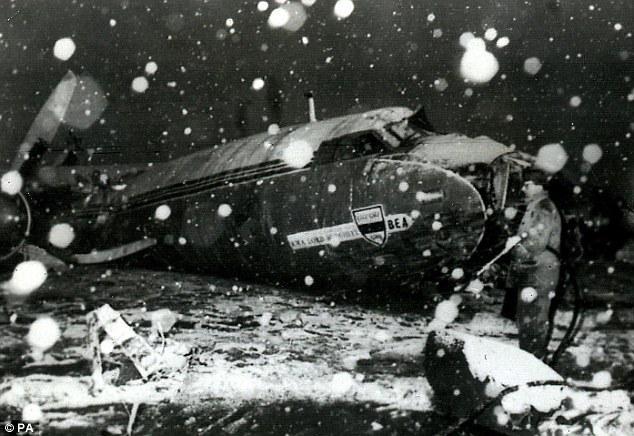 FdF Ricorre oggi una tragedia che ricorda per mitopoiesi quella del Grande Torino Munich Air Disaster, 6 febbraio '58 http://t.co/c0KgBARhEW