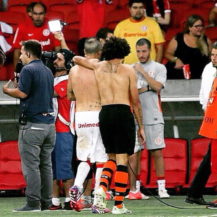 Idolo !! Cabeza... http://t.co/Ld3gQUJzk9