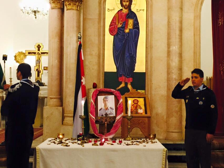 #Jo #Jordan Church prayer for #MuathKasasbeh #Jordanisone Image by Thabet Shukri Maayeh and Raed Al Naser -Thank you! http://t.co/tHfYsxxwFR