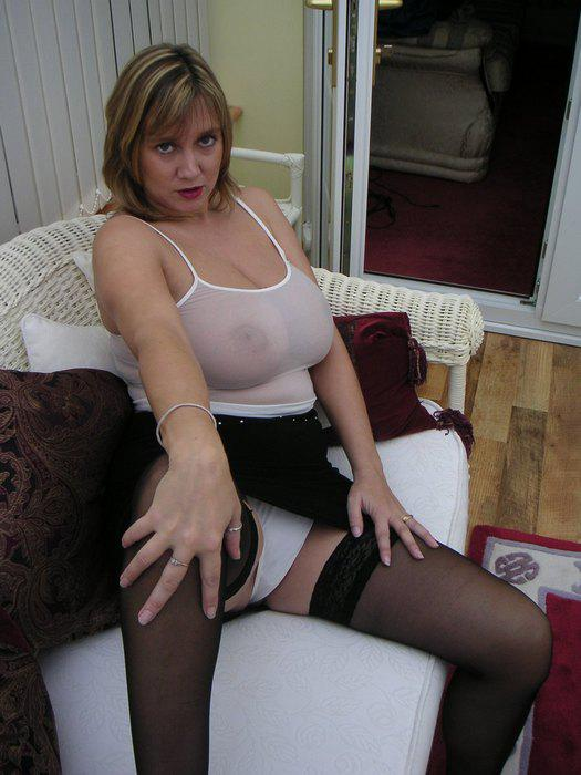 Mature Busty English 85