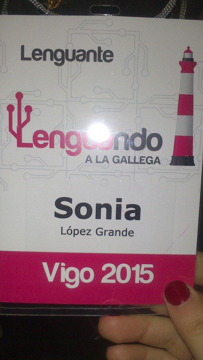 Día de charlas, encuentros y reencuentros en mi tierra natal. Lenguante oficial en Vigo. #Galenguando http://t.co/LGJhzHiVQY