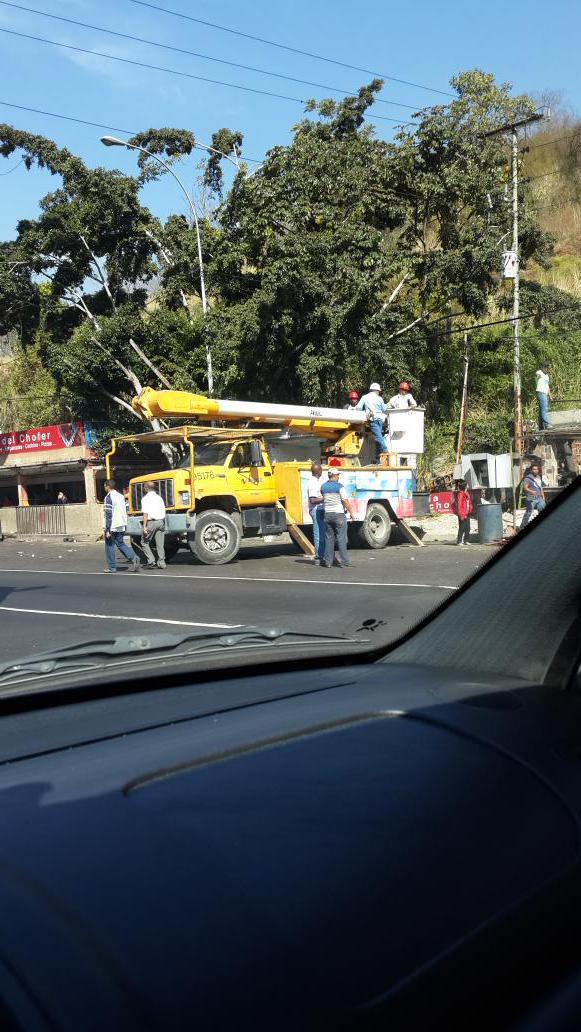 problema migratorio en Venezuela B9P1mj0IEAAJFem