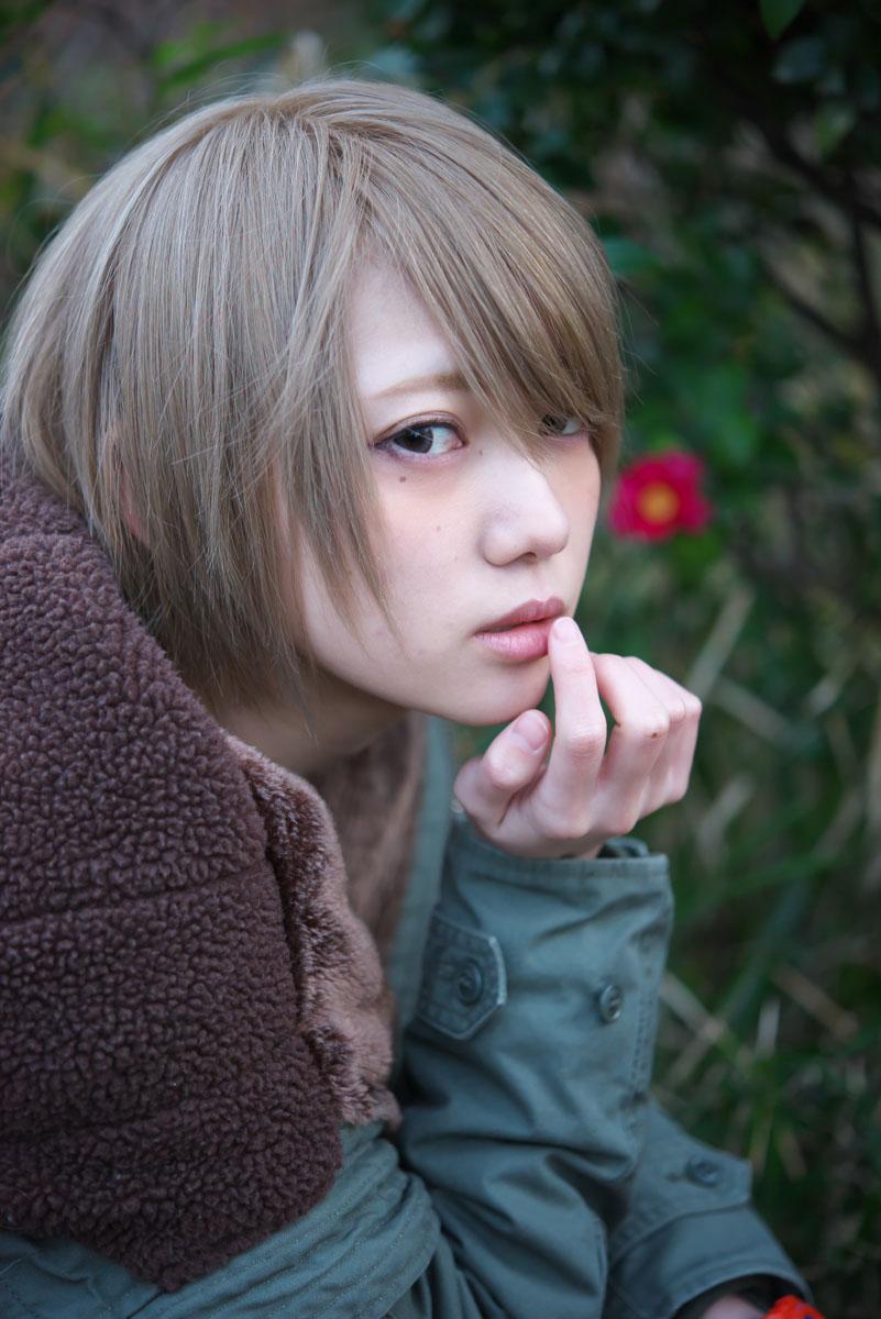 篠崎こころさんは異常に顔立ちが整っているのですが、整い過ぎてて自撮りだとスマホ補正で他のアイドルのと大差ない感じに見えてしまって勿体無いなと常々思っていたので、こちらの画像を見て欲しいです。http://t.co/tLrF1oX3y8 http://t.co/JaXbsWtEVG
