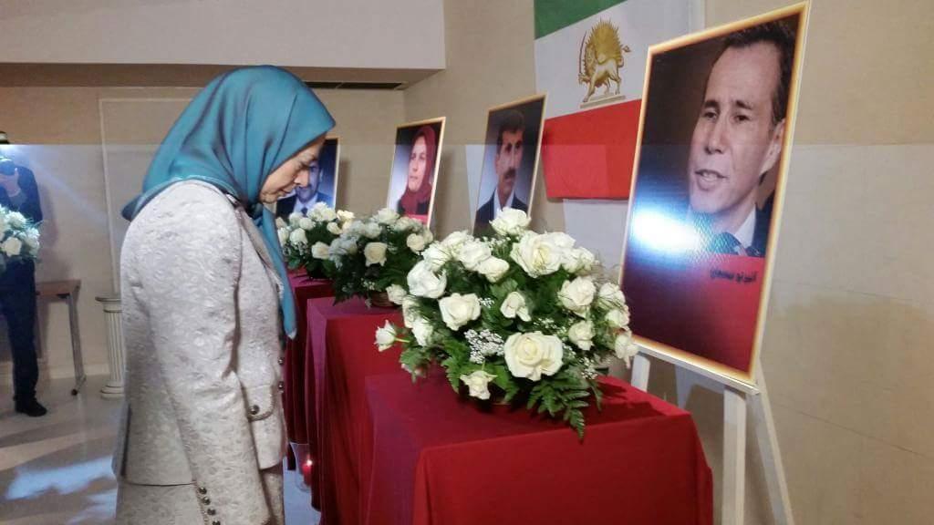 #Iran #maryamrajavi in Paris conference  paying respect to late #Argentina prosecutor  #AlbertoNisman #Nisman<br>http://pic.twitter.com/LcZ6KOCcEB