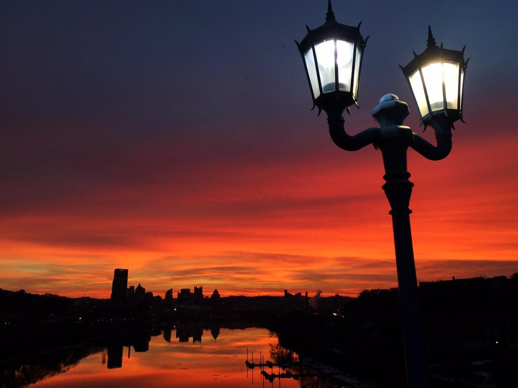 Pittsburgh, I've missed you. What an incredible sunset tonight! http://t.co/UgI01JyNSy