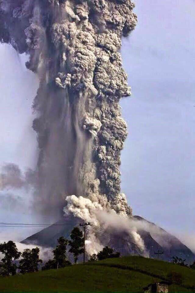 VIDEO FOTO eruzione Vulcano Fuego in Guatemala