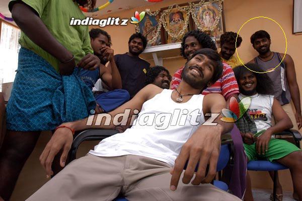 "VIJAY SETHUPATHI on Twitter: ""@dhanushkraja I'M HERE --- # ... Vijay Sethupathi In Pudhupettai"
