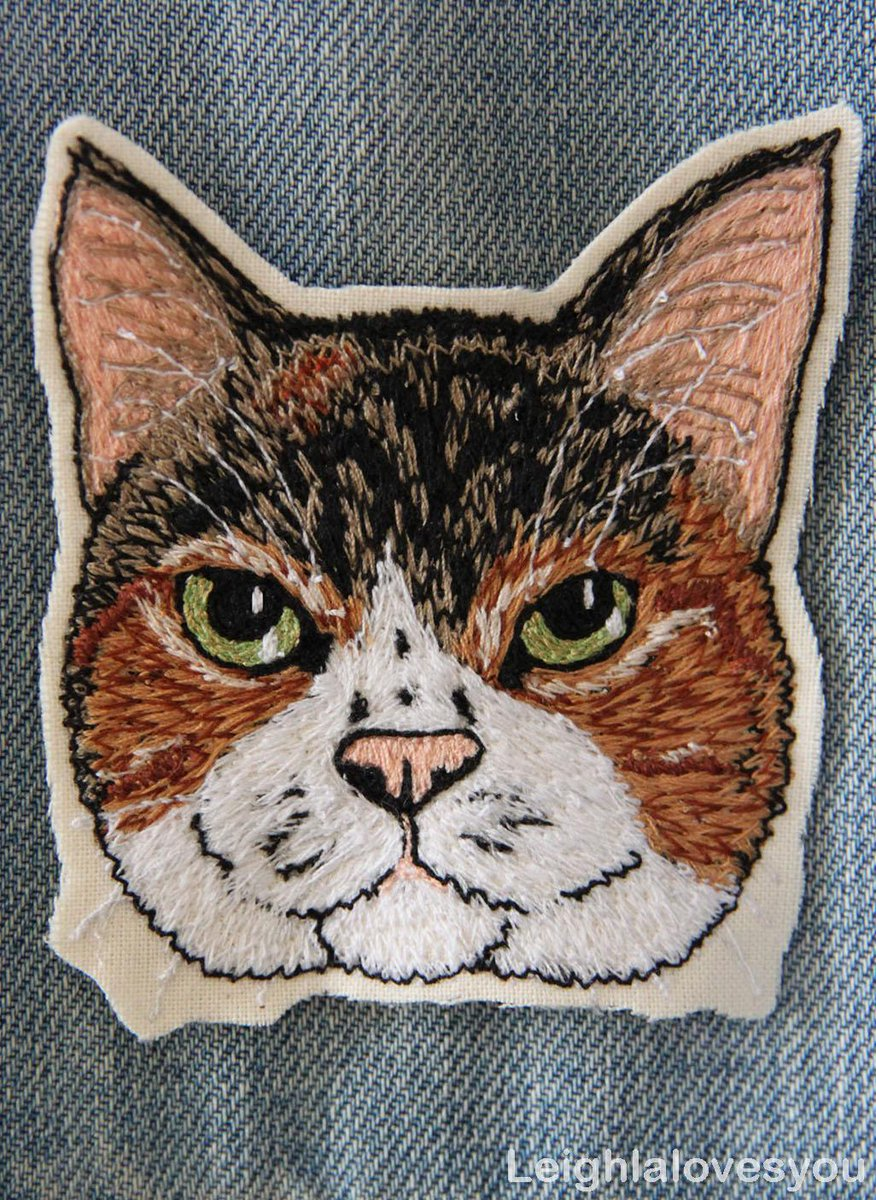 Custom Pet Free Hand Machine Embroidered Patch/Brooch! Available here:http://t.co/iKElltLPnA  @HandmadeHour @HMNation http://t.co/ibPe5VRYUn