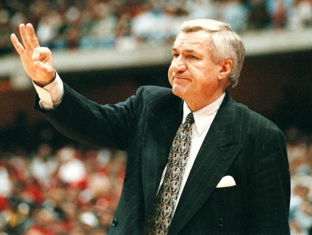 UNC legend Dean Smith passed away Saturday evening. Our Tar Heel hearts are with him and his family. #Heels http://t.co/Trzdaks7PE