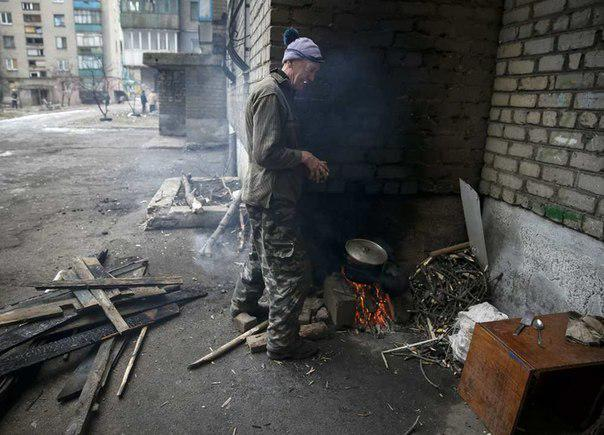 Добровольцам, ремонтирующим БМП для армии, нужна помощь в приобретении инструментов и запчастей, - волонтер Константин Зинкевич - Цензор.НЕТ 4193