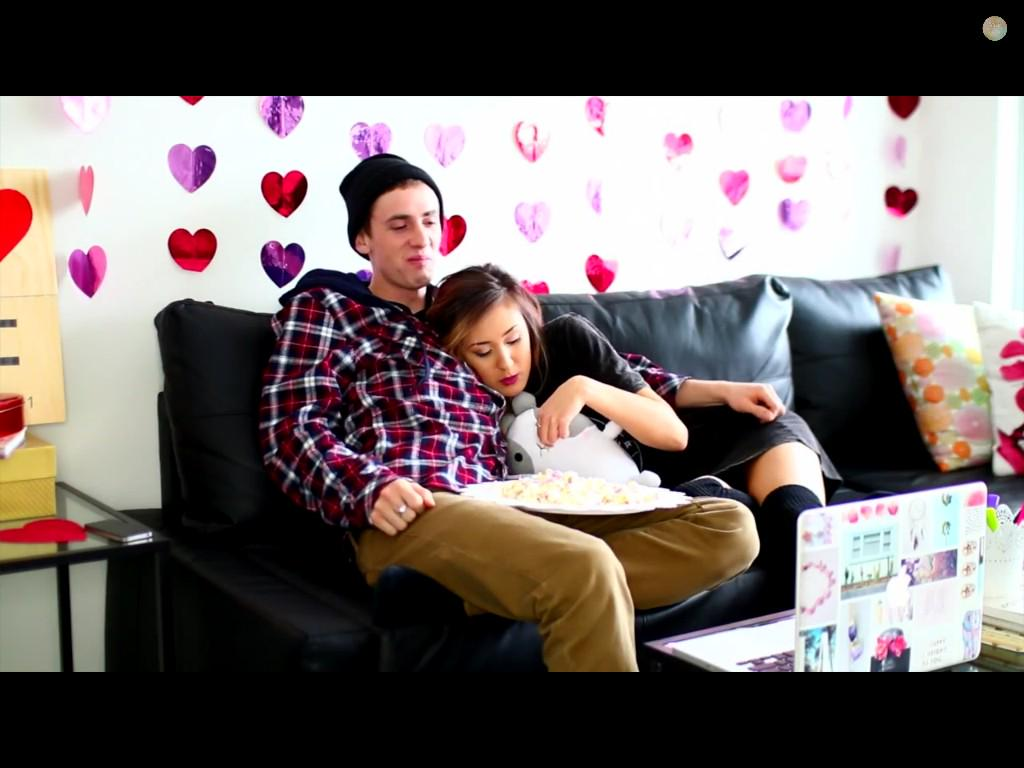 Angel on twitter love your diy valentines day room for Room decor laurdiy