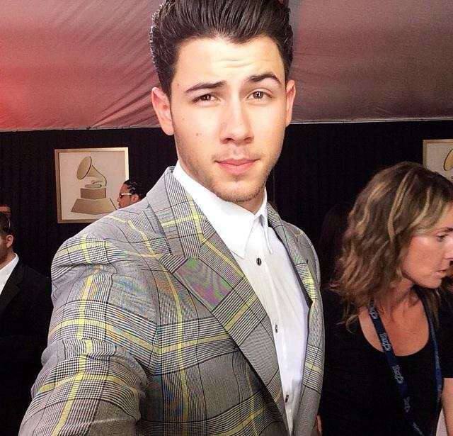 Darn it!  I was hoping @nickjonas would show up in his underwear! #AGirlCanDream #GRAMMYs #GrammysRedCarpet http://t.co/FQb8vPYF6S