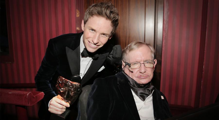 And here's Eddie Redmayne with Stephen Hawking! #EEBAFTAs http://t.co/tU5XARRVDb