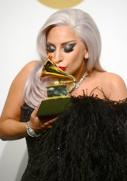 Grammy Awards 2015 [08/02/15] >> 1 premio + actuación B9X2_VeCMAACWU4