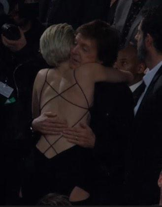 """@CyrusIsMyVirus: Sir Paul McCartney hugging Miley at the 2015 Grammy Awards tonight http://t.co/P2n0oh7ZZT"" UGH"