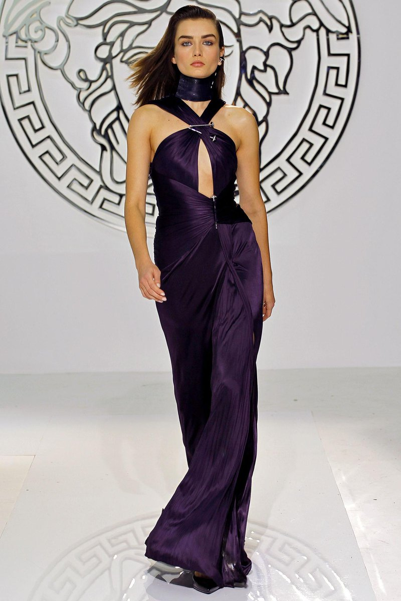 the fashion court on twitter ariana grande performed in a versace fall 2013 purple gown on the grammys tonight mtc http t co od5azari4a versace fall 2013 purple gown