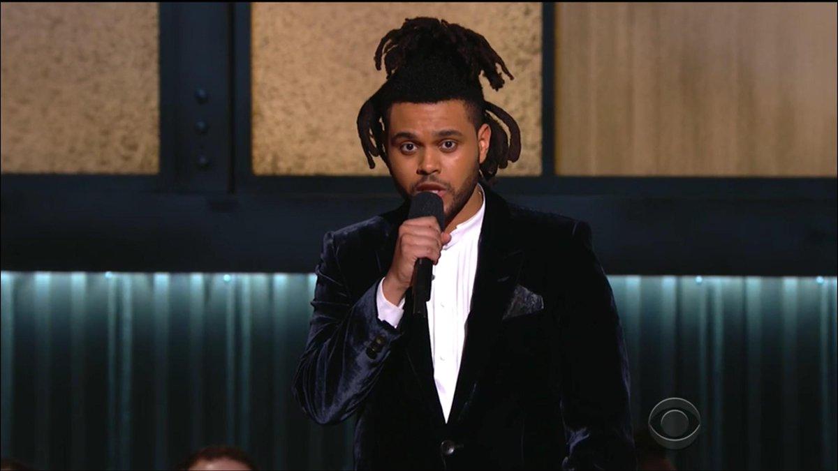 Johnny Depp wore it better. #Grammys2015 http://t.co/vuPjlXCvhX