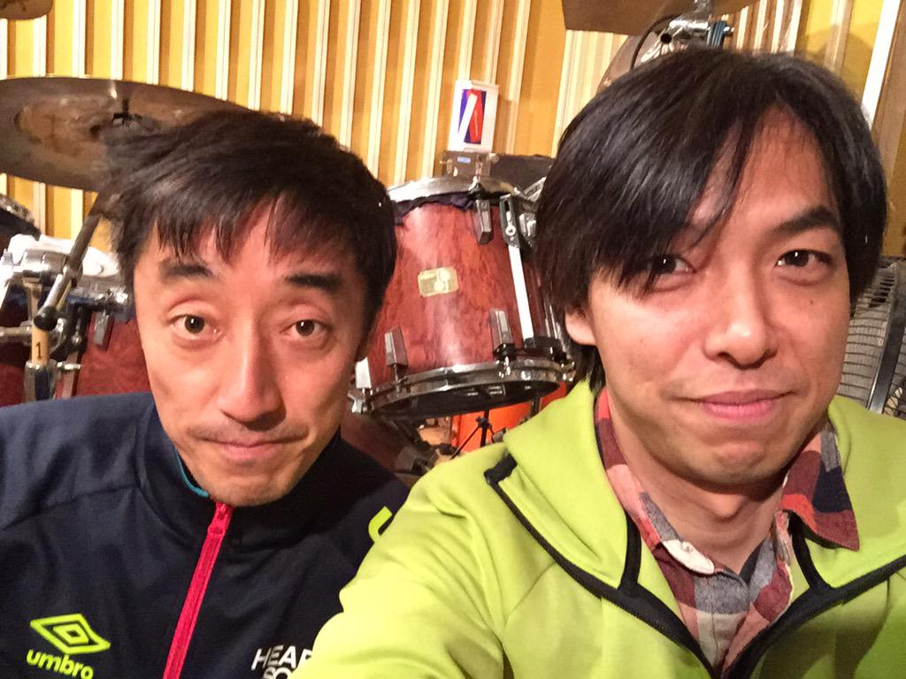スピッツの崎山君の自宅スタジオにおじゃましました! ドラムはソナーのシグネチャーモデルです。 いろんな話ができて楽しかった〜(^^) http://t.co/Gnkji5iRV5
