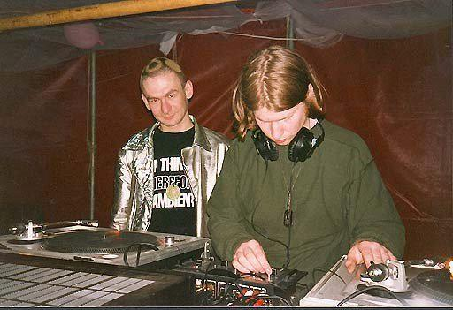 And this one is from Universe Tribal Gathering 1994 @AphexTwin @nubient http://t.co/vbxfR8cap9