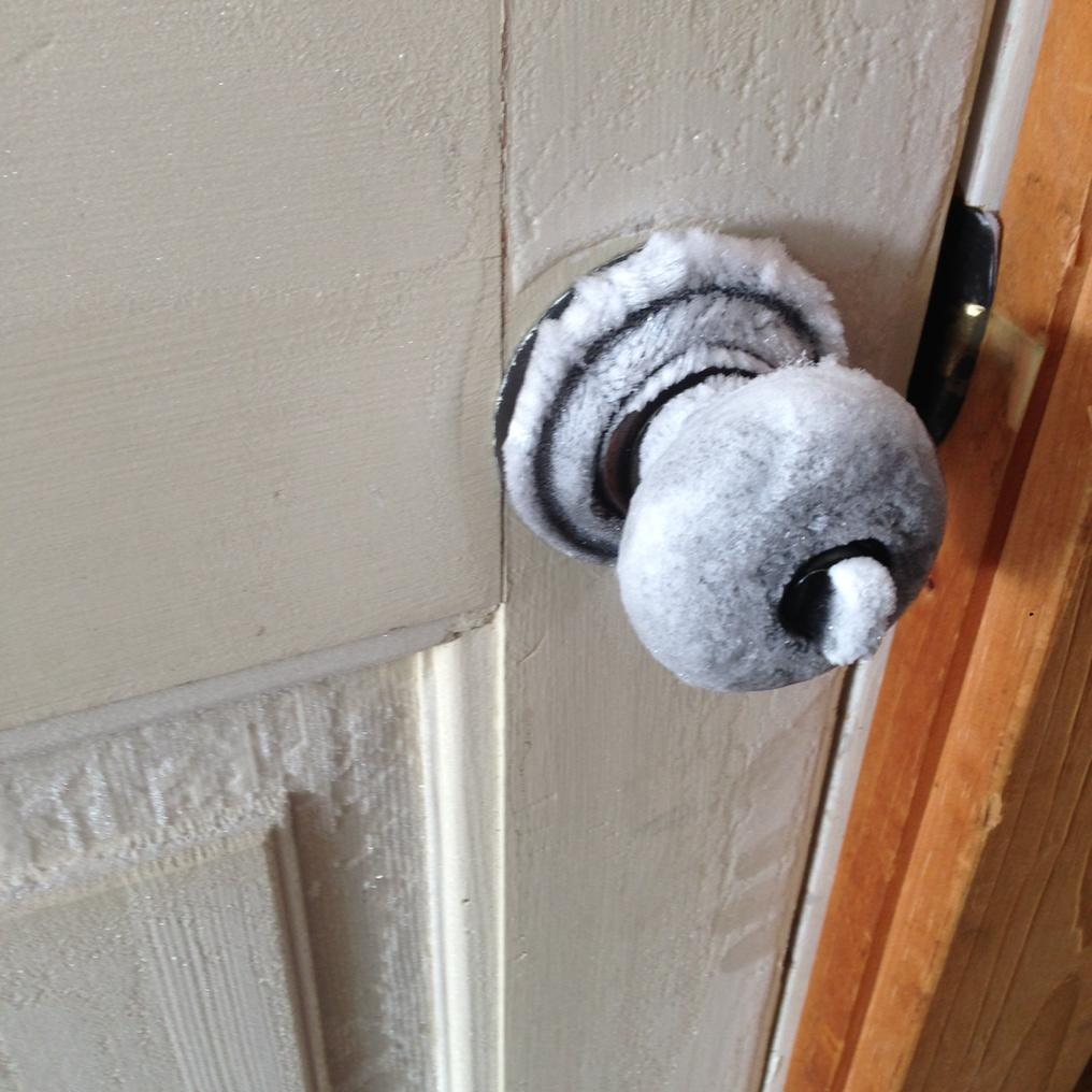 Y'know how you're supposed to touch the doorknob to see if it's hot in a hotel fire?  This is the opposite of that. http://t.co/ArzCDf4uNO