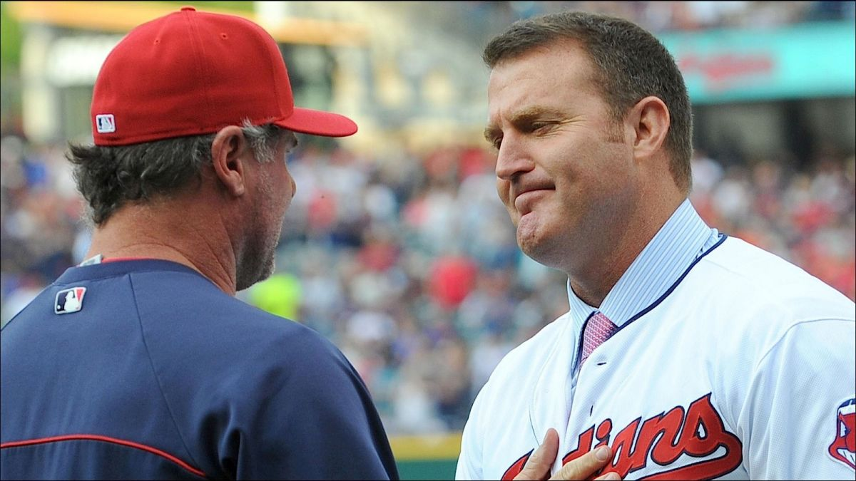 As one of his last official acts as an Indian, Giambi gave up his jersey number out of respect to Jim Thome. #Class http://t.co/MacyQtlT1t