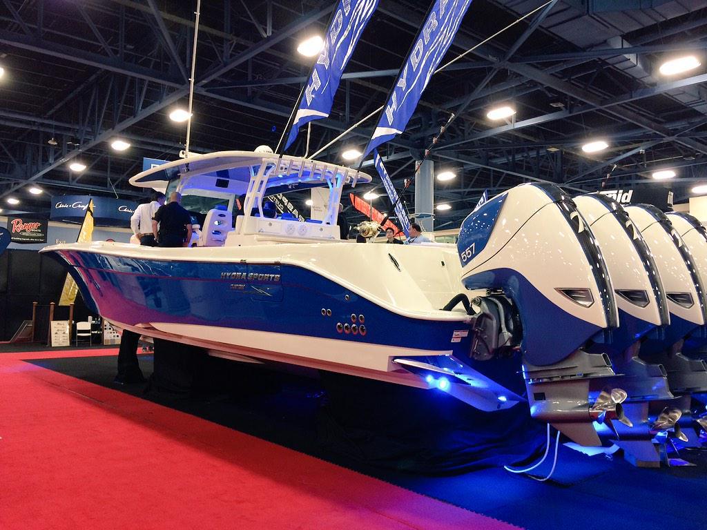 "Hit_Men SB #99 on Twitter: ""Hands down my favorite boat on display. @hydrasportsboat 53' Suenos w/ quad #557 motors totaling 2,228 HP."