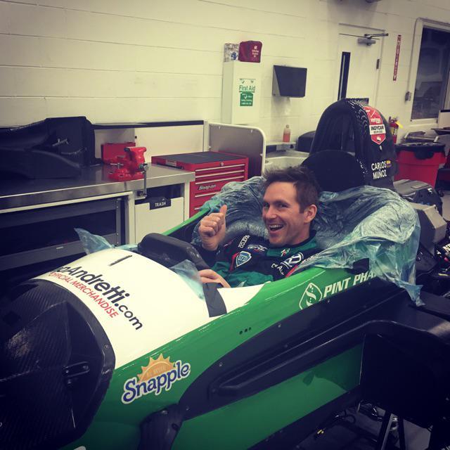 An #Indycar seat??? Whaaaaaaat http://t.co/ZsIMaFwFvx