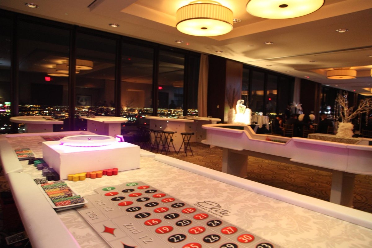 Valentine's Day casino events are a blast! Book yours today! #casinoparty #dallasparty #EliteCasinoEvents http://t.co/2BjgK1Qhfk