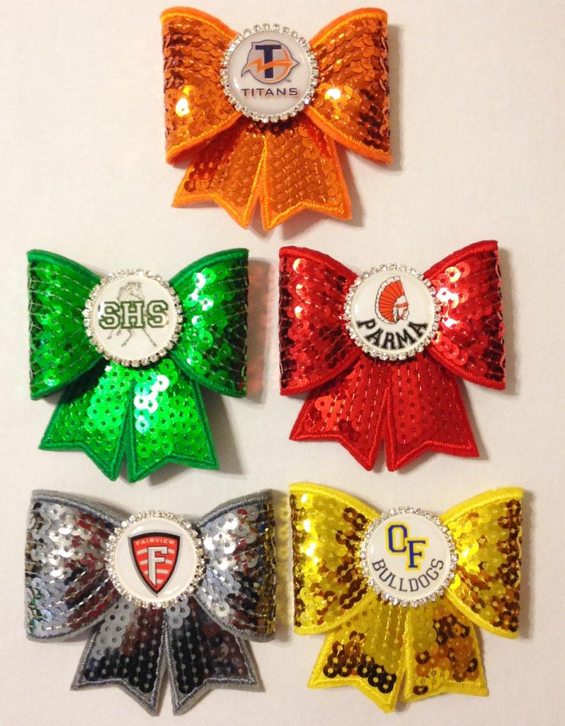 Awesome!! #kathyskreations #Titans #Mustangs #Redmen #Warriors #Bulldogs #bows are only $6.50 and by order ONLY!! http://t.co/ZxUCSh8j2t