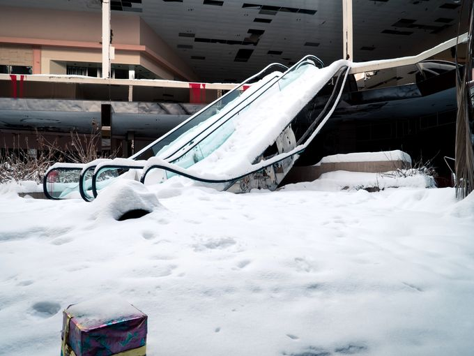 PHOTOS | #Snow fills Akron's abandoned Rolling Acres Mall: http://t.co/kuqUTTbBI3. Photo: Johnny Joo http://t.co/yuvcLhPzMG