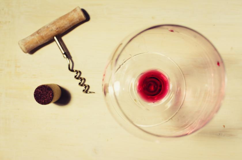 Red Wine Burns Fat And Lowers Blood Pressure, Plus 5 Other Health Benefits For Winos - http://t.co/rnIskgGWcl http://t.co/a3iY5KnsDy