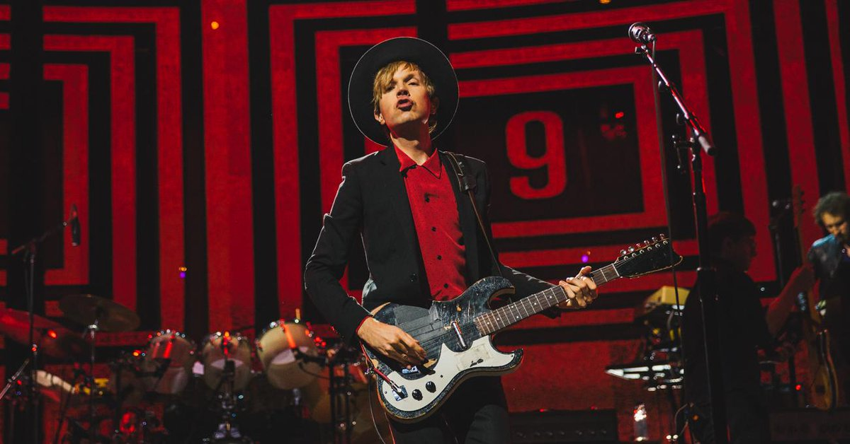 Congrats #iTunesFestival artist #Beck on your big #GRAMMY wins! 👏👏👏 #MorningPhase http://t.co/DOc8XyKcxG http://t.co/DhL7Paqvzy