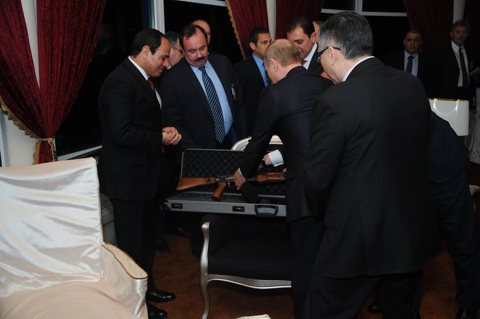 President Putin presented President Sisi with a glorious gift - a Kalashnikov. Undoubtedly very symbolic. http://t.co/vgNRSKrzZE