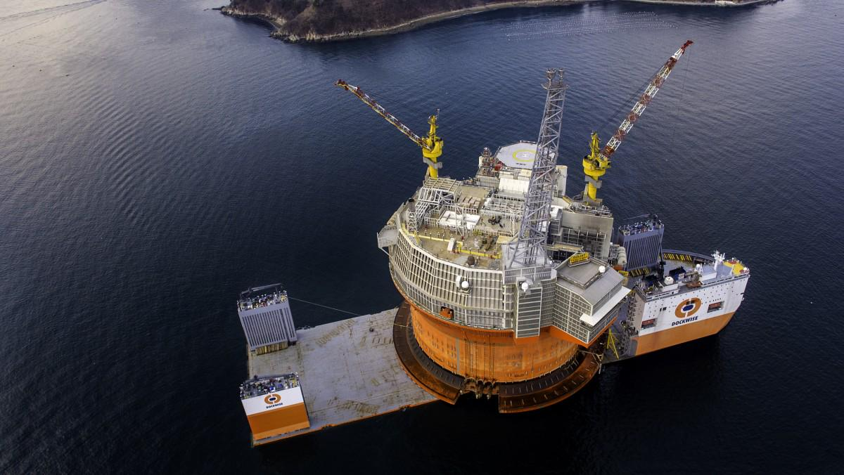 Gp arctic watch on twitter enis fpso goliat loaded on hlv gp arctic watch on twitter enis fpso goliat loaded on hlv dockwise vanguard is ready for its journey to the barents sea sciox Choice Image