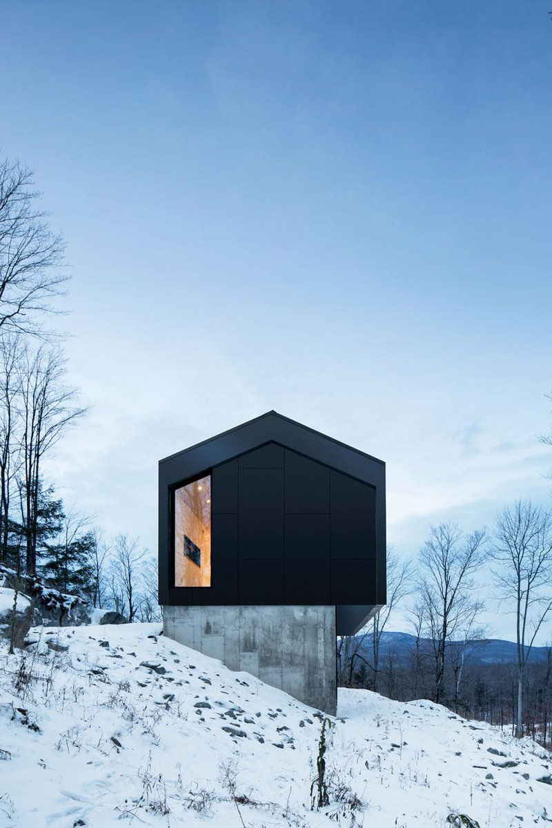 The Bolton Residence by Naturehumaine has a cantilevered ground floor volume http://t.co/ENb88tgnwp #architecture http://t.co/IDrKQu0gnd