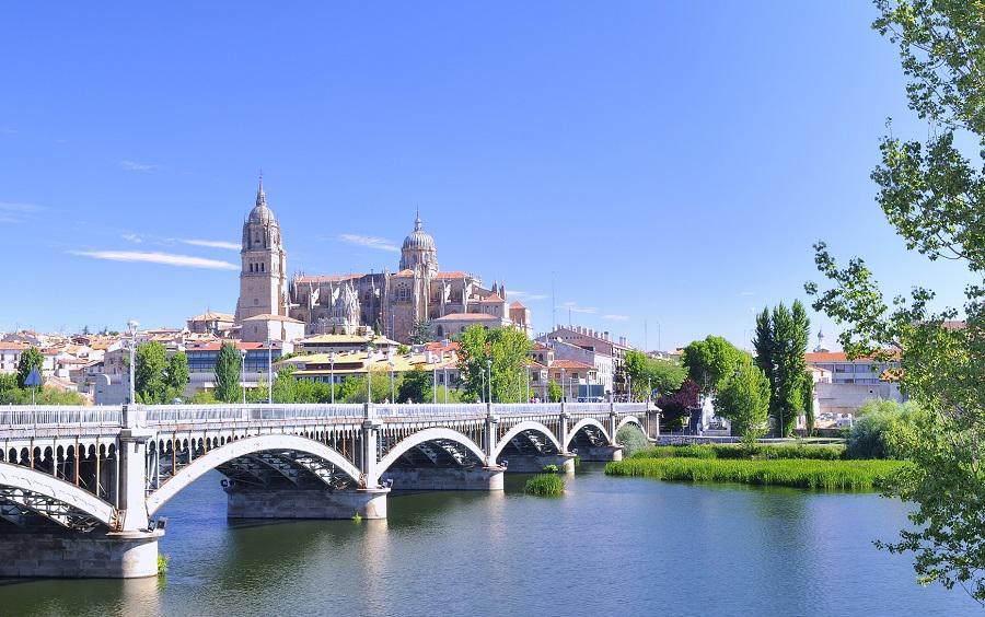 Turismo Caliente in Spagna: alberghi spagnoli offrivano prezzi maggiorati a turisti inglesi e tedeschi