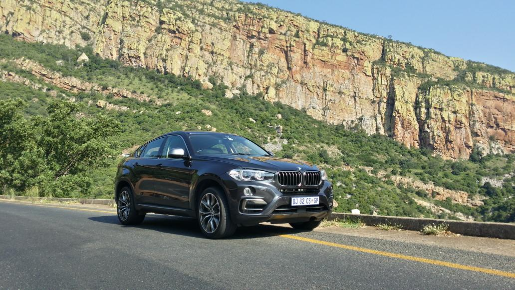 First drive done. New #BMW #X6 in 50i guise is a fast monster. Classy machine. M50d drive tomorrow. http://t.co/ai1qQJwB4T
