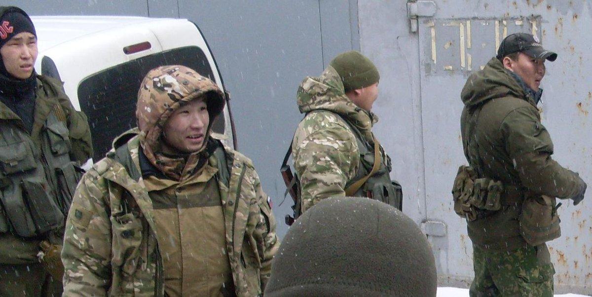 Украинские бойцы зачищают поселок Павлополь от террористов - Цензор.НЕТ 1573