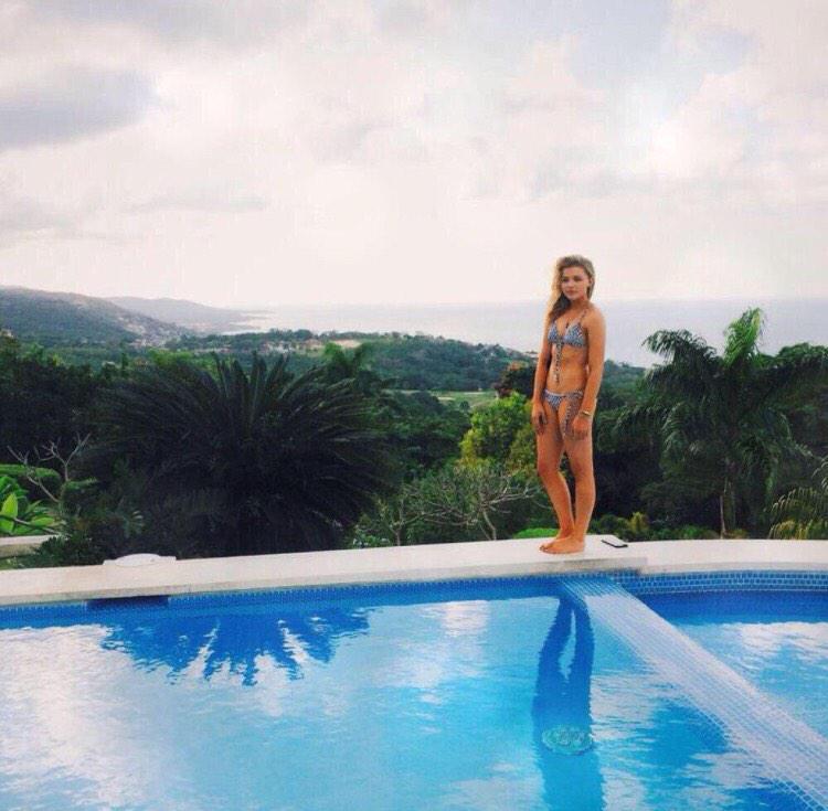 Chloe grace moretz sexy in a bikini by the pool