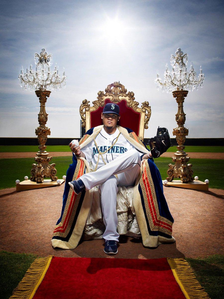 Alex Gordon may be a Royal, but we have true baseball royalty. #FelixHernandez #FaceOfMLB http://t.co/LeolMXCMDb