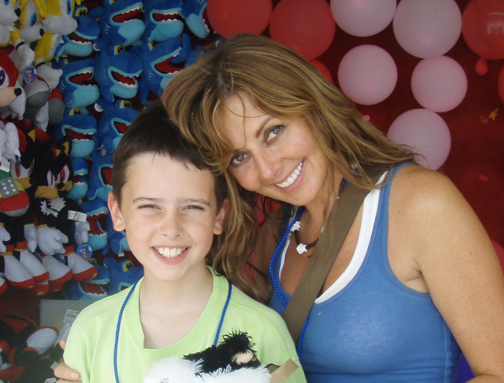 Me and my boy 7 years ago... sang #SpiderPig all day long x http://t.co/JnkLMRXlyz