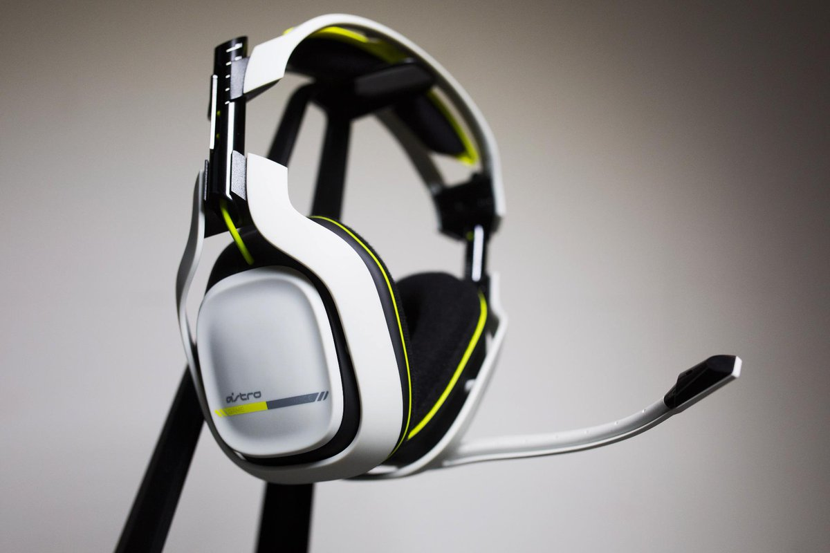 NEW White A50s!!  5% w/this link:http://t.co/RCZAAGoqja   RT for a chance to win a set!   #GreenWall @ASTROGaming http://t.co/JYcungBncW